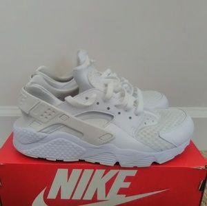 Nike Huarache Sneakers (Men's Size 8)